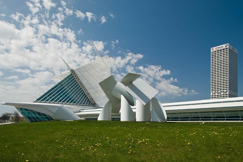 slides/calatrava03.jpg  calatrava03