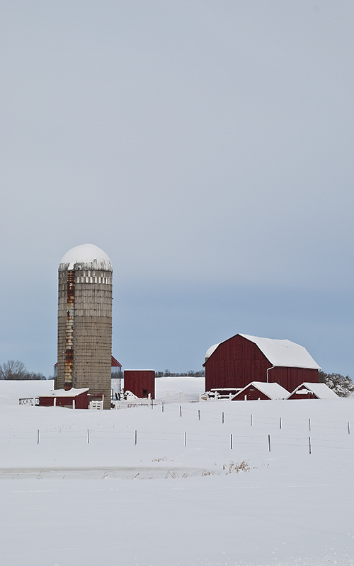 slides/red_barn_with_silo.jpg  red_barn_with_silo
