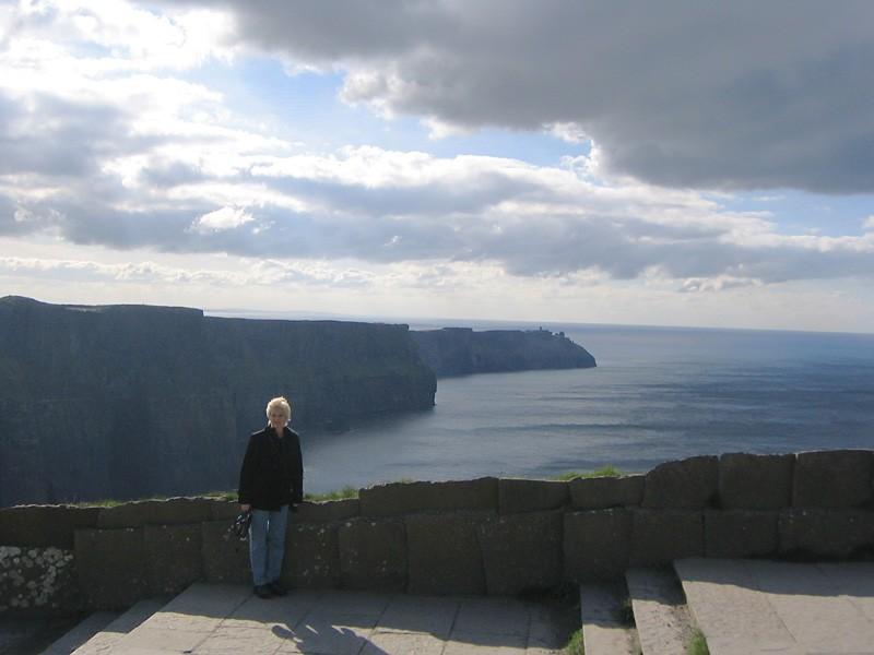slides/cliffs-of-moher-c4.jpg  cliffs-of-moher-c4