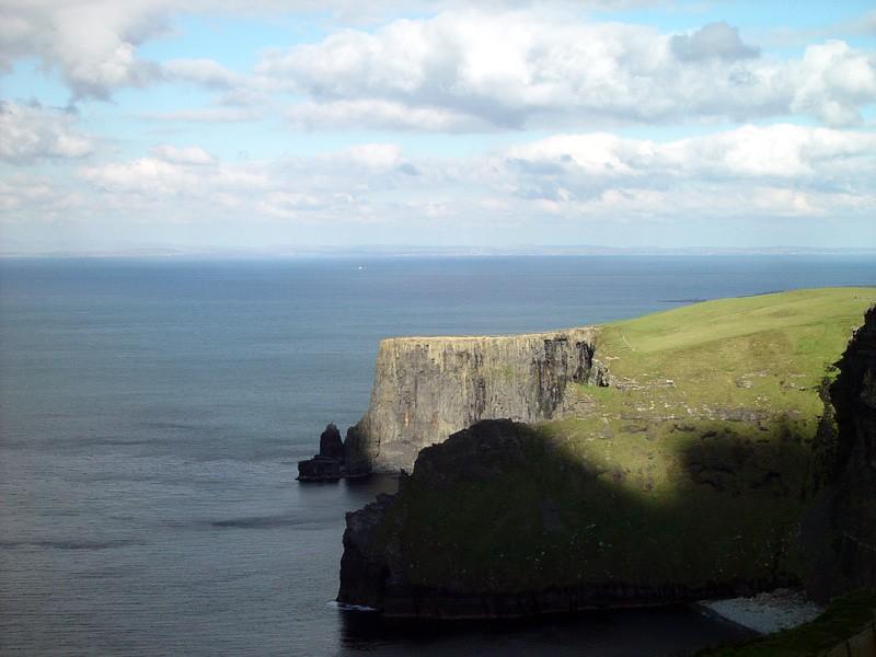 slides/cliffs-of-moher5.jpg  cliffs-of-moher5