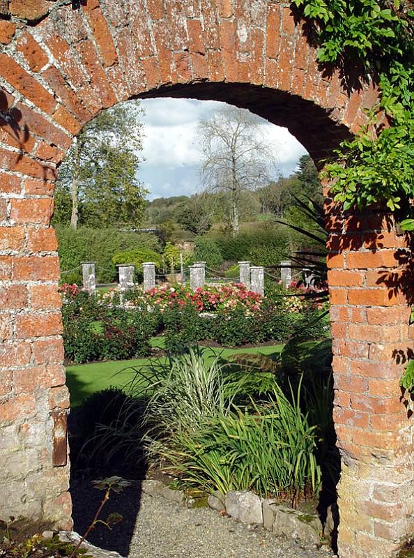 slides/dromoland-walled-gardens3.jpg  dromoland-walled-gardens3