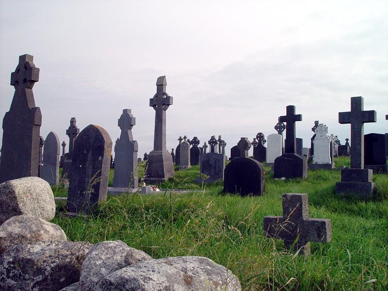 slides/graveyard-near-spiddal4.jpg  graveyard-near-spiddal4
