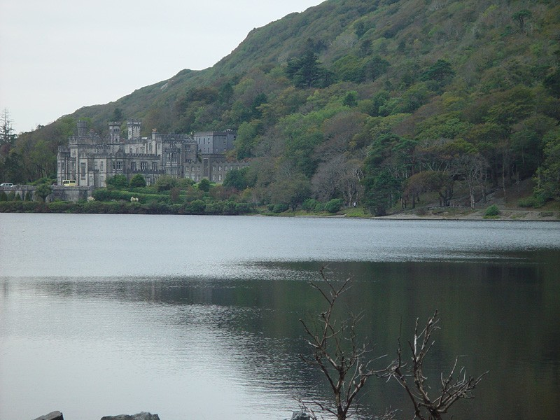 slides/kylemore-abbey2.jpg  kylemore-abbey2