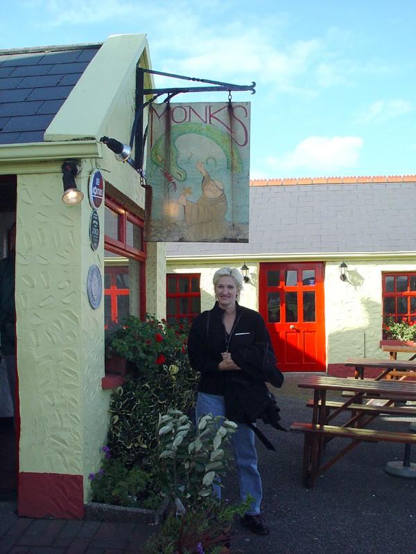 slides/monks-pub-in-ballyvaghan.jpg  monks-pub-in-ballyvaghan