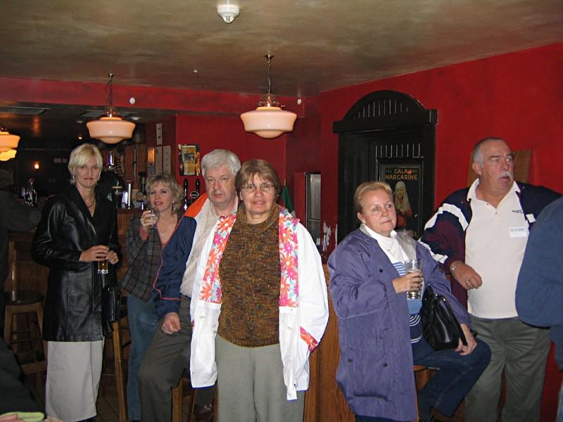 slides/oriains-pub-in-killarney.jpg  oriains-pub-in-killarney