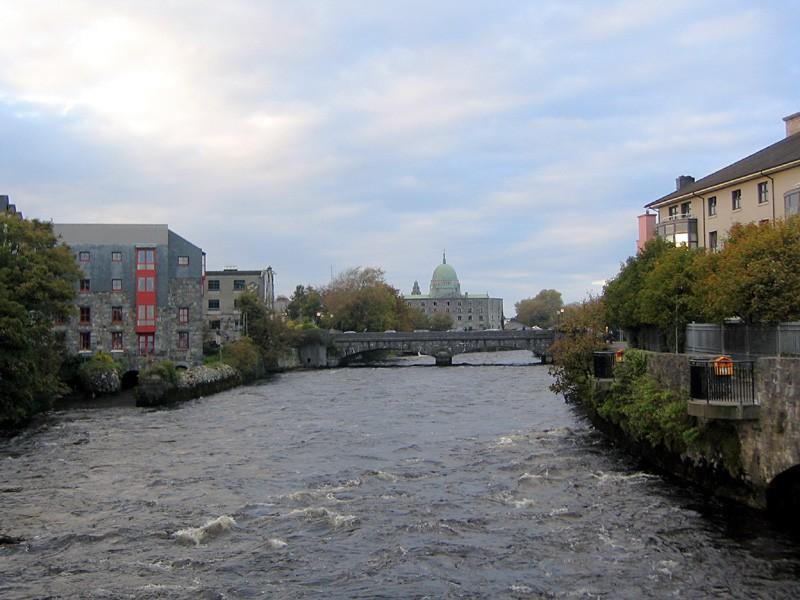 slides/river-corrib-galway.jpg  river-corrib-galway