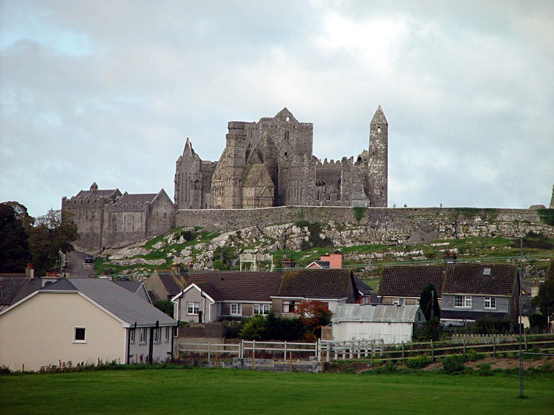 slides/rock-of-cashel.jpg  rock-of-cashel