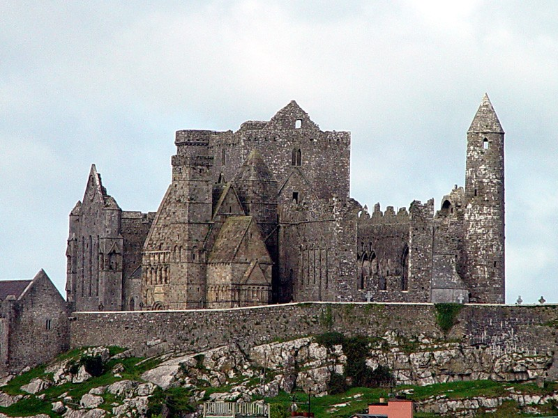 slides/rock-of-cashel2.jpg  rock-of-cashel2