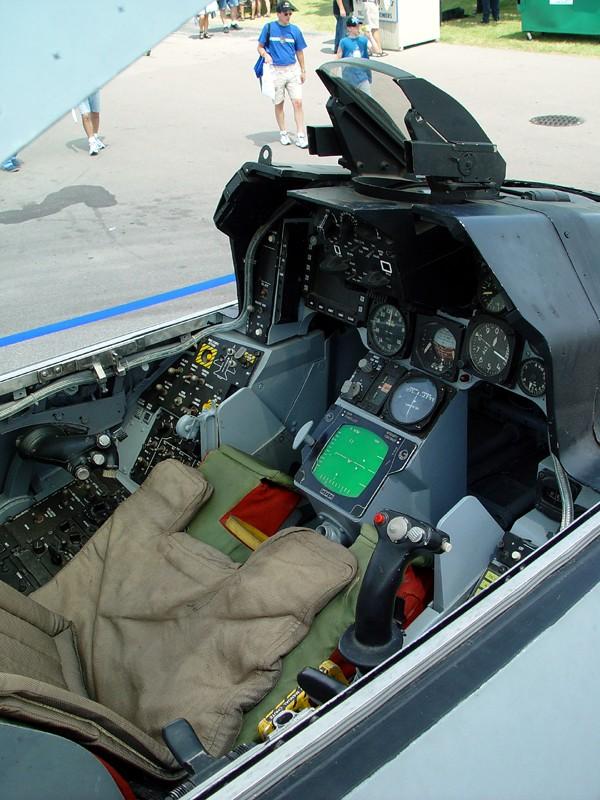 slides/cockpit1.jpg  cockpit1