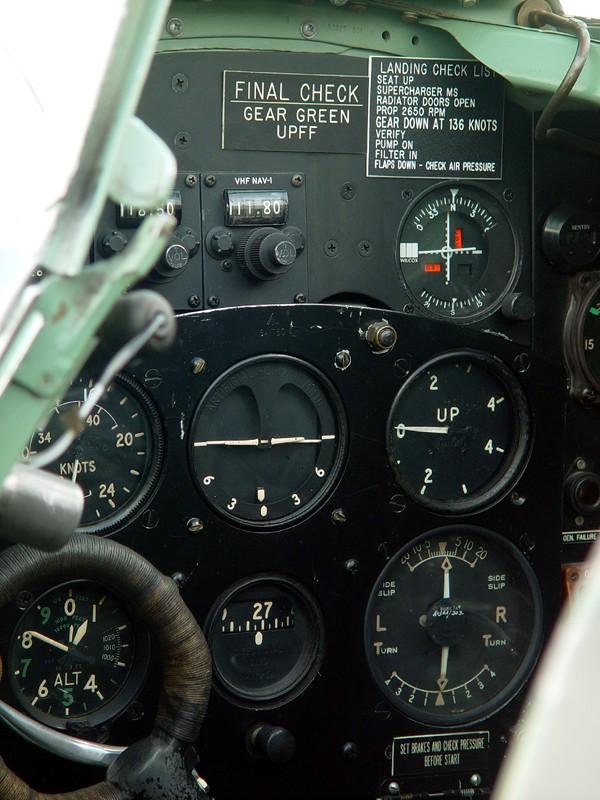 slides/cockpit2.jpg  cockpit2