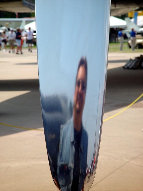 slides/propeller_head.jpg  propeller_head